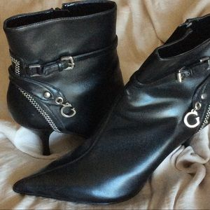 Brand New Guess Booties